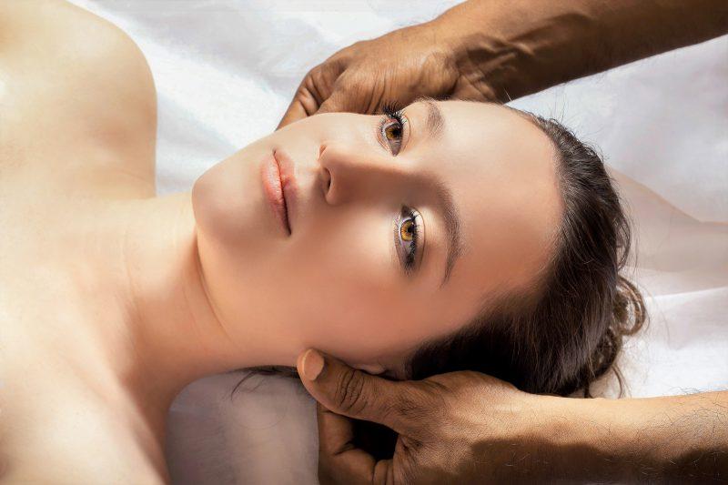 Zabiegi w klinice medycyny estetycznej – jak poprawić swoją twarz?