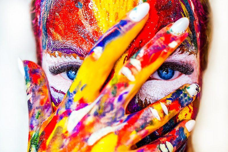 Niecodzienne makijaże – najlepsze pomysły na charakteryzację!